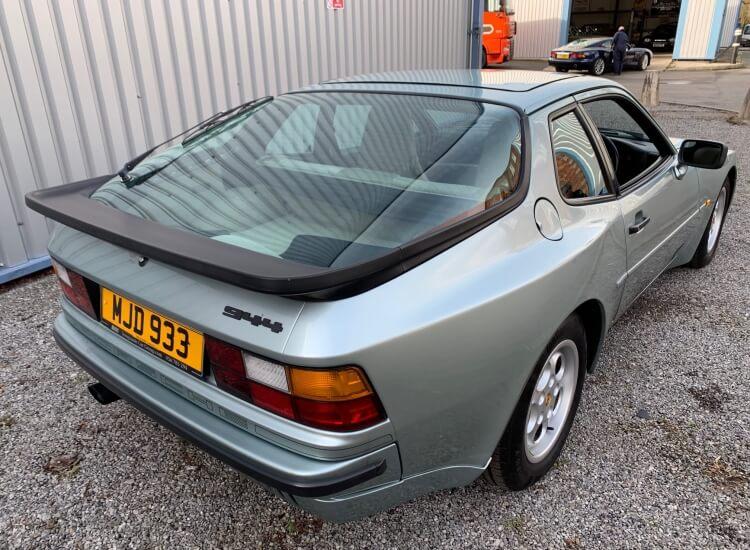 [SOLD] 1986 Porsche 944 5 speed manual