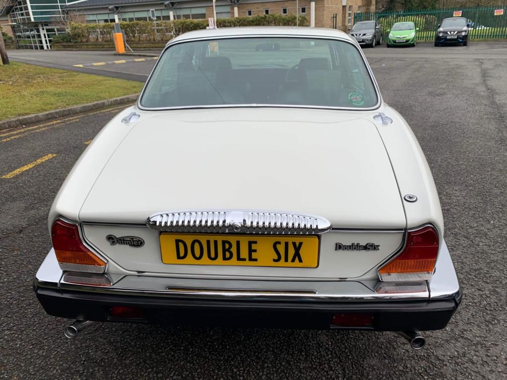 1992 Daimler Double Six V12 series 3