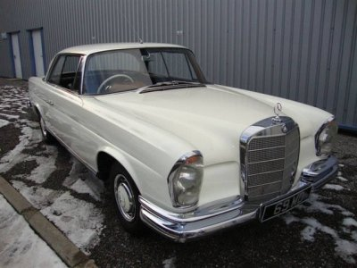 1964 Mercedes 220 SEB Coupe SOLD