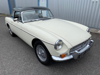 1965 MGB Roadster SOLD